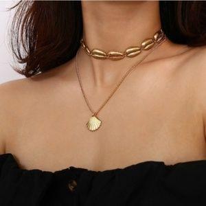 Gold layered shell choker Necklace New